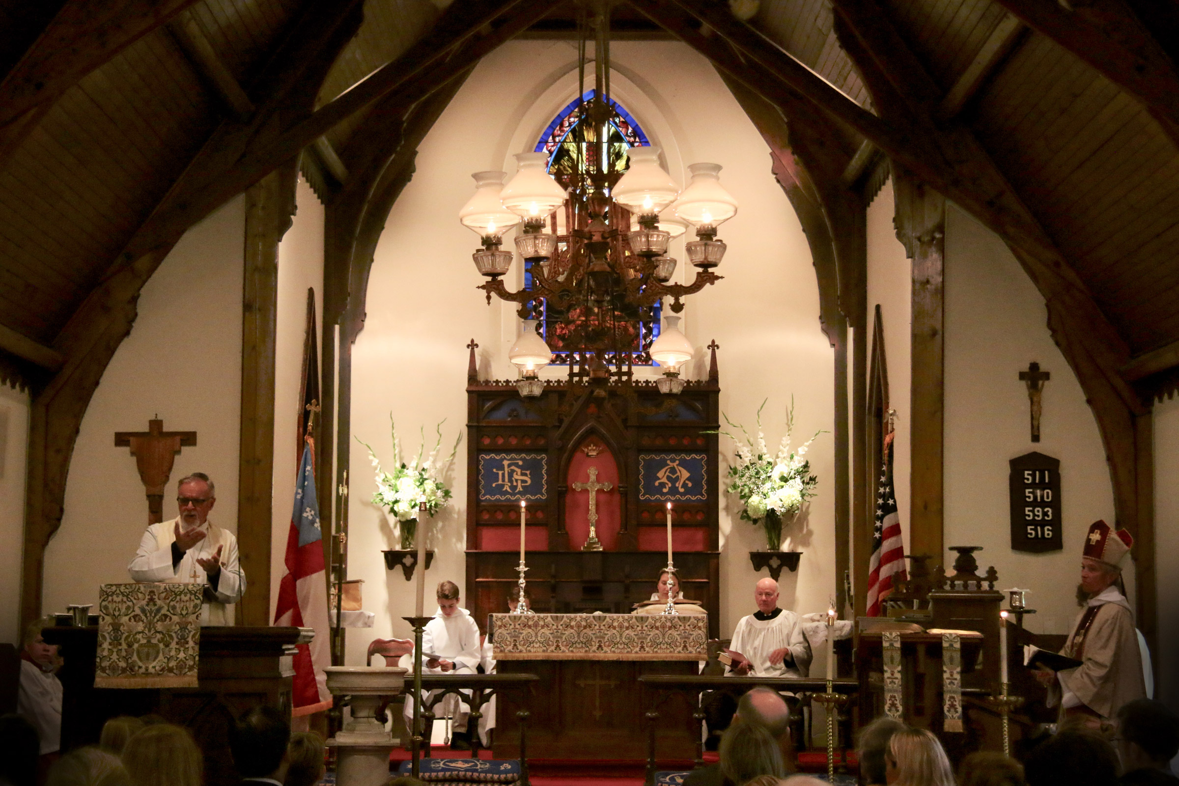 full altar with deacon sit 97